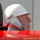 Sir Sterling Moss range son casque