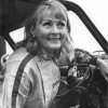 Rosemary Smith, 79 ans, pilote une F1 sans complexes...
