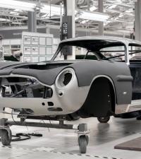 Aston-Martin va combler 25 apprentis James Bond